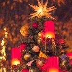 クリスマスツリーをおしゃれに見せる飾りつけ方法