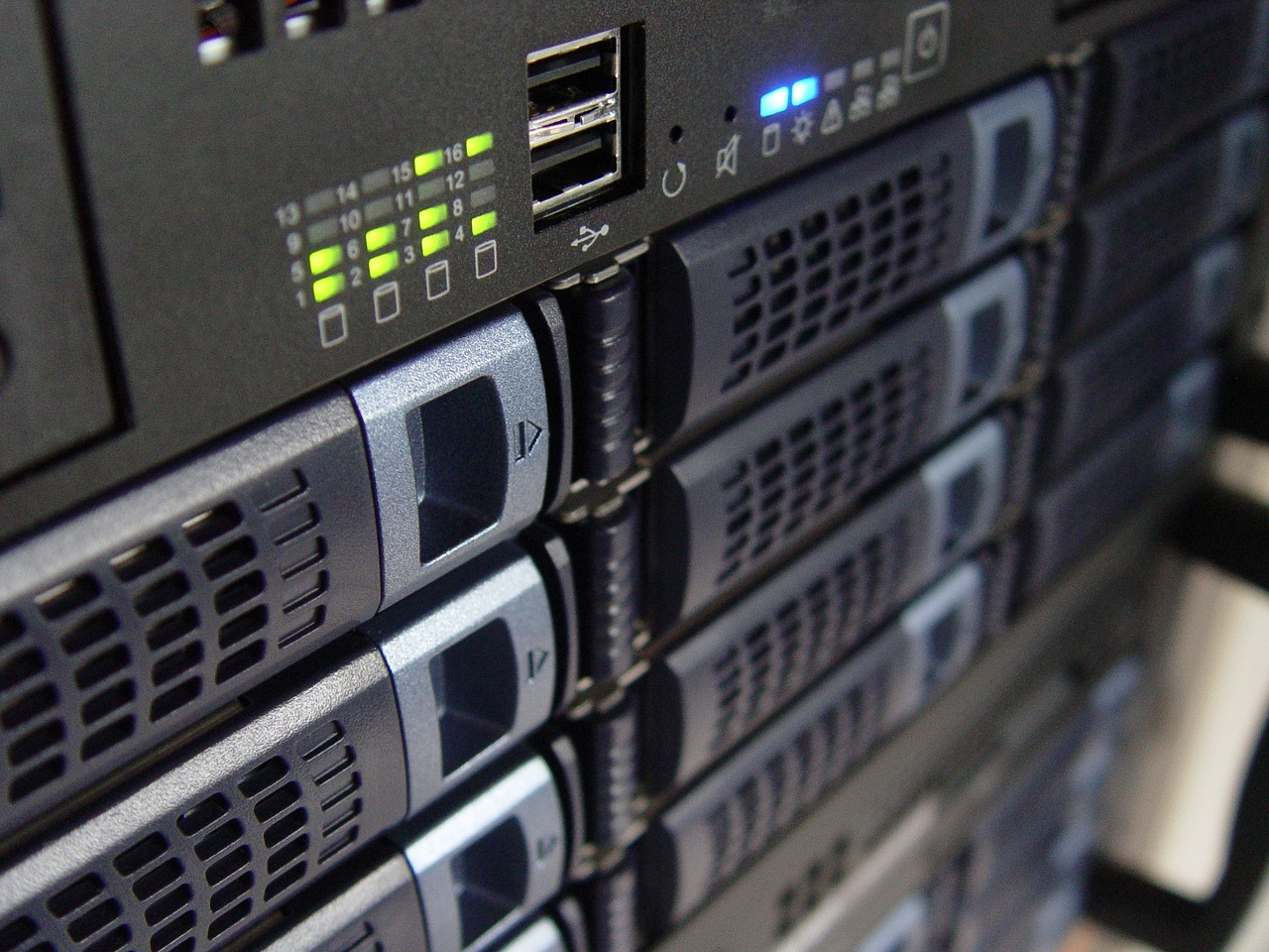 VPSとは?レンタルサーバーと何が違う?